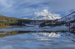 Tioga jezioro, Yosemite park narodowy Fotografia Stock