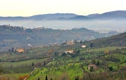 Zima krajobraz wiejski Tuscany, Włochy zdjęcia royalty free