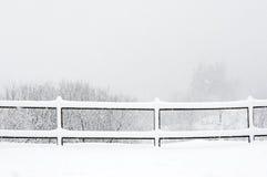 Zima krajobraz z ogrodzeniem Zdjęcia Royalty Free