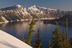 zima krateru jeziora. Zdjęcie Stock