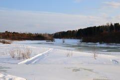 Zima lód na rzece Mrozowy krajobraz Obrazy Stock