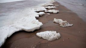 Zima lodu pokrywy Piaskowate plaże obrazy stock