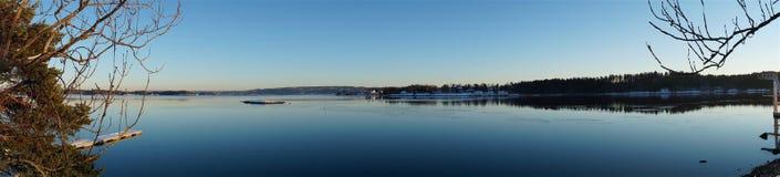 Zima oceanu jasny dzień Zdjęcia Stock