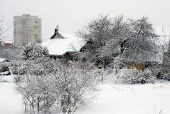 Zima opad śniegu w kapitale Lithuania Vilnius miasta Fabijoniskes okręg Obraz Stock