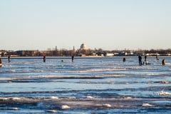 Zima połów na morzu jaskrawy słońce Fotografia Royalty Free