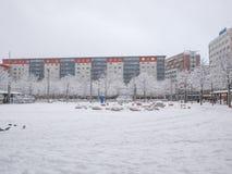 Zima przed stacyjnego zimnego mrozu drzewa i wierza bicyklu krajobrazu Salzburg chłodno śnieżnym białym hbf Zdjęcie Stock