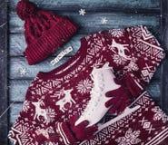 Zima pulower z lodowymi łyżwami Obrazy Royalty Free