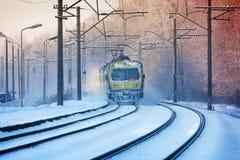 Zima ranku pociąg zdjęcie stock