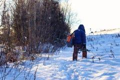 Zima rybaka spaceru połów Zdjęcie Stock