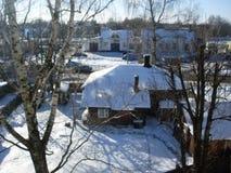 Zima słoneczny dzień w miasteczku Zdjęcie Royalty Free