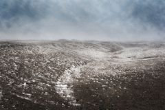 Zima, sceneria śnieżyca uderza łąki zdjęcie royalty free