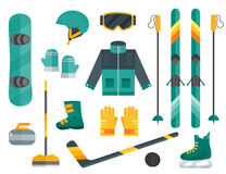 Zima sportów wyposażenia ustawiająca narta, fryzowanie, łyżwy, odziewa Fotografia Royalty Free