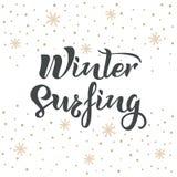 Zima surfingu tekst z śniegiem i snowlakes na tle Kaligrafia, pisze list projekt Typografia dla pocztówek, plakaty, ilustracji