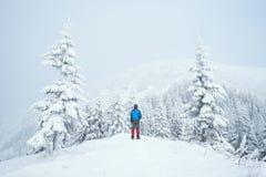 Zima trekking w górach Obrazy Stock