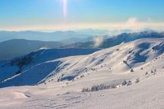 Zima, Ukraine, góra, zmierzch, carpathian, pasmo górskie, krajobrazy, turystyka, śnieżna podróż, outdoors, niebo, mgła, chmurniej Obrazy Royalty Free