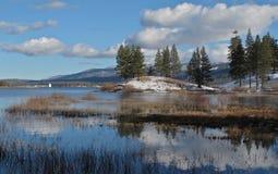 Zima w Dużym Niedźwiadkowym jeziorze, Kalifornia Zdjęcia Royalty Free