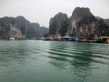 Zima w Halong zatoce, Wietnam, Azja Obrazy Royalty Free
