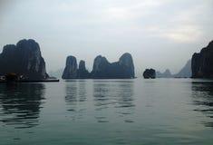 Zima w Halong zatoce, Wietnam, Azja Obrazy Stock