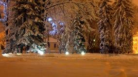 Zima wieczór ulica w śniegu Zdjęcie Stock