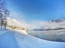 Zima wschód słońca przy pięknym jeziornym Achensee w Tyrol, Austria Obraz Stock