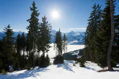 Zima z narciarskimi skłonami kaprun kurort obraz royalty free