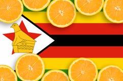 Zimbabwe flagga i citrusfruktskivahorisontalram arkivfoto