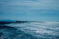 Zimna chmurna pogoda nad morze Obrazy Royalty Free