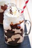 Zimna kawa w kamieniarza słoju Obraz Royalty Free