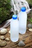 Zimna woda pitna w naturze Zdjęcie Royalty Free