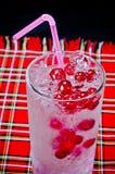 Zimny jagodowy koktajl fotografia stock