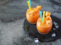 Zimny melonowy tropikalny koktajl, dwa szkła Zdjęcia Royalty Free