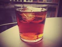 Zimny napój, lód, zimno, szkło, stół, rzeka Zdjęcia Stock