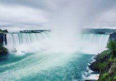 Zimny ranek przy Niagara spadkami obrazy stock