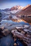 Zimny ranek przy Więzień jeziorem Zdjęcie Stock