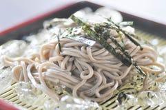 Zimny soba lub zimna kluski w Japońskim jedzeniu Zdjęcia Stock
