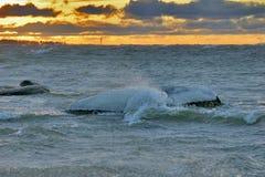 zimny zachód słońca morza Zdjęcia Royalty Free