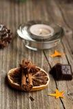 Zimt, Anis, Orange und Schokolade lizenzfreie stockfotos