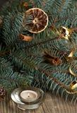 Zimt auf Weihnachtsbaum Stockfotos