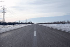 Zimy asfaltowa autostrada Fotografia Royalty Free
