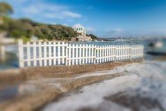 Zimy burza przeciw plaży Fala i wiatr Zdjęcie Stock