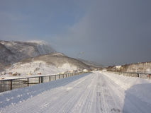 Zimy droga, linia brzegowa Norwegia Zdjęcia Stock