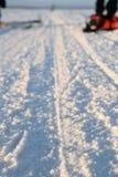 Zimy droga przez jezioro w rosjaninie Lapland, Kola półwysep Fotografia Stock