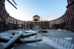 Zimy fotografia szczątek budowa zaniechana niedokończona elektrownia Zdjęcie Stock