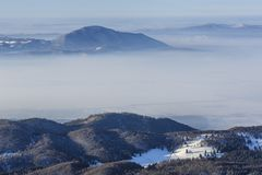 Zimy góry krajobraz, Transylvania, Rumunia obraz stock