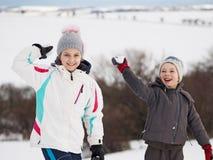 Zimy gra na świeżo snowed śniegu Fotografia Royalty Free