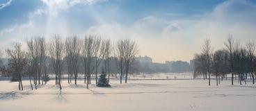 Zimy krajobrazowa panorama Mroźna pogoda Obrazy Royalty Free