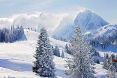 Zimy krajobrazowa scena w ośrodku narciarskim w Austria Zdjęcie Royalty Free