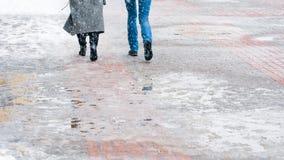 Zimy miasta Śliski chodniczek zdjęcie stock