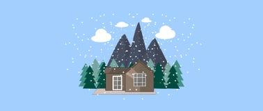 Zimy natury krajobraz z Ślicznym małym domem, jedlinowymi drzewami, górami i płatkami śniegu, tło płatków śniegu biały niebieska  Zdjęcie Royalty Free