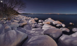 Zimy noc na oceanie Zdjęcia Royalty Free